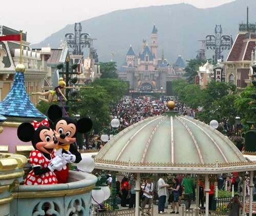Hong Kong Disneyland Attracted 5.2 Million Visitors In 2010