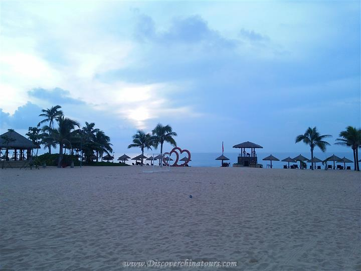 Leisure Sanya Tour from Sunrise on the Sea