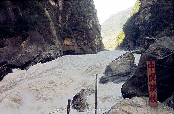 Classic Tiger Leaping Gorge Hiking Route