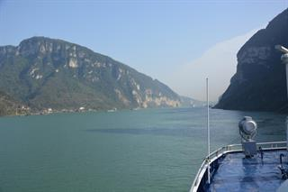 Downstream and Upstream Yangtze River Cruise Tour With Airport Transfer Service