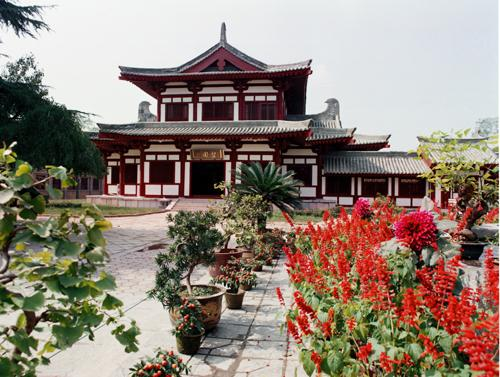 4-The-Huaqing-Palace-Theater-Huaqing-Hot-Springs-Xian.jpg
