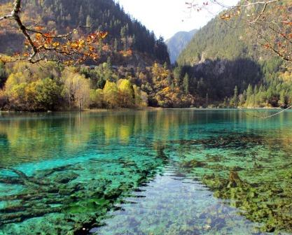 lakes at Jiuzhaigou.jpg