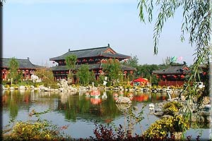 2 Days Xian Highlights Tour--Bell Tower,Big Wild Goose Pagoda,Terra-cotta Warriors and Horses Huaqing Hot Springs Tour