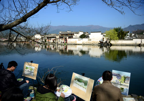 Hongcun is so beautiful for painting
