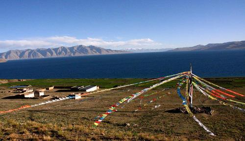 Tangra Yumcois the third biggest lake in Tibet